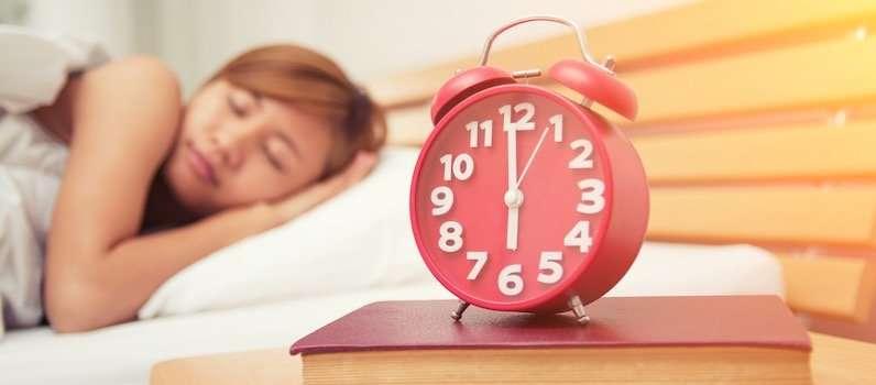Studiare e lavorare: come svegliarsi presto al mattino per essere super produttivi